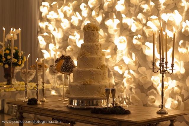 Resultado de imagem para casamento flores de papel